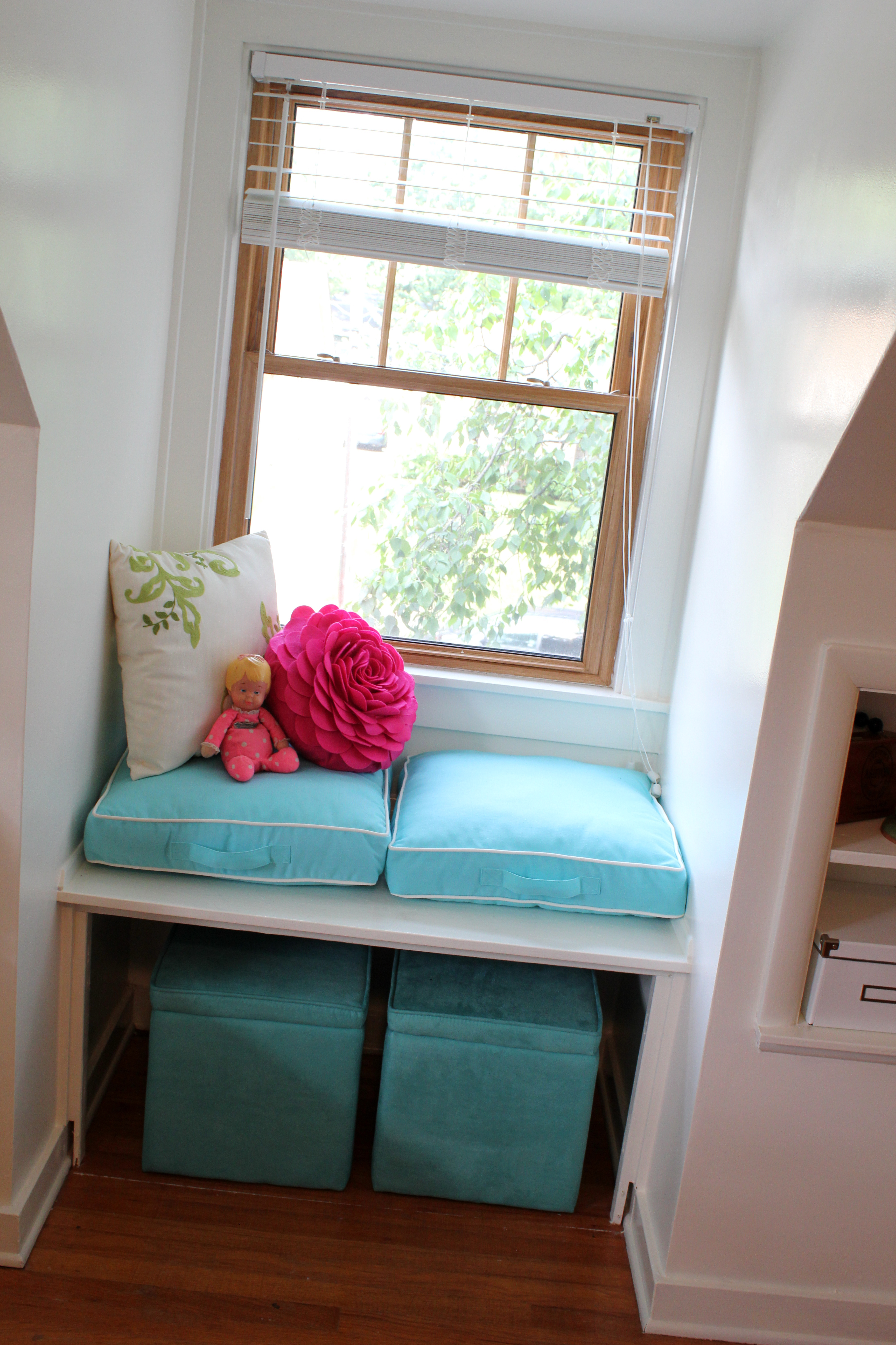 Room Decor: Home Decor: Guest Room & Craft Space