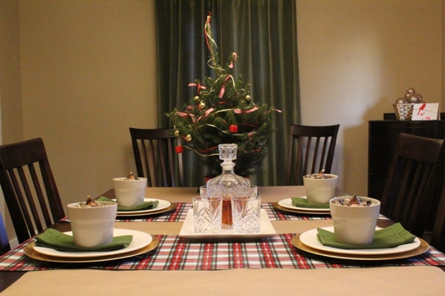 Woodsy Christmas Tablescape | This Nest is Best